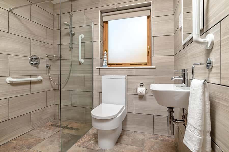 En suite toilet in the master bedroom